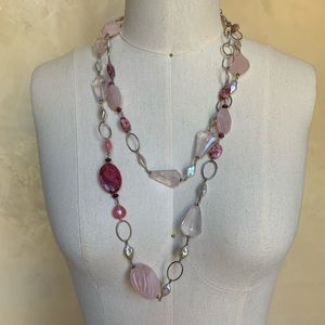 Jewelry - Rope necklace in silver and rose quartz